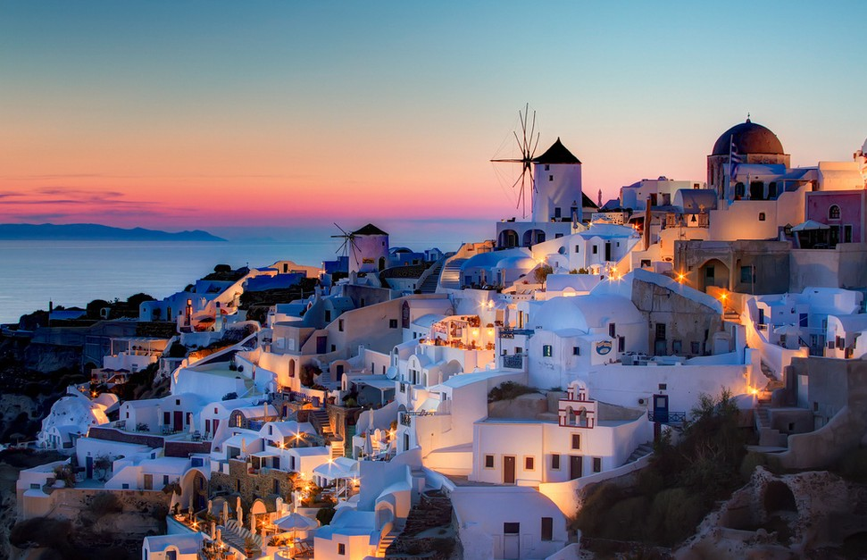 village oia santorini sunset