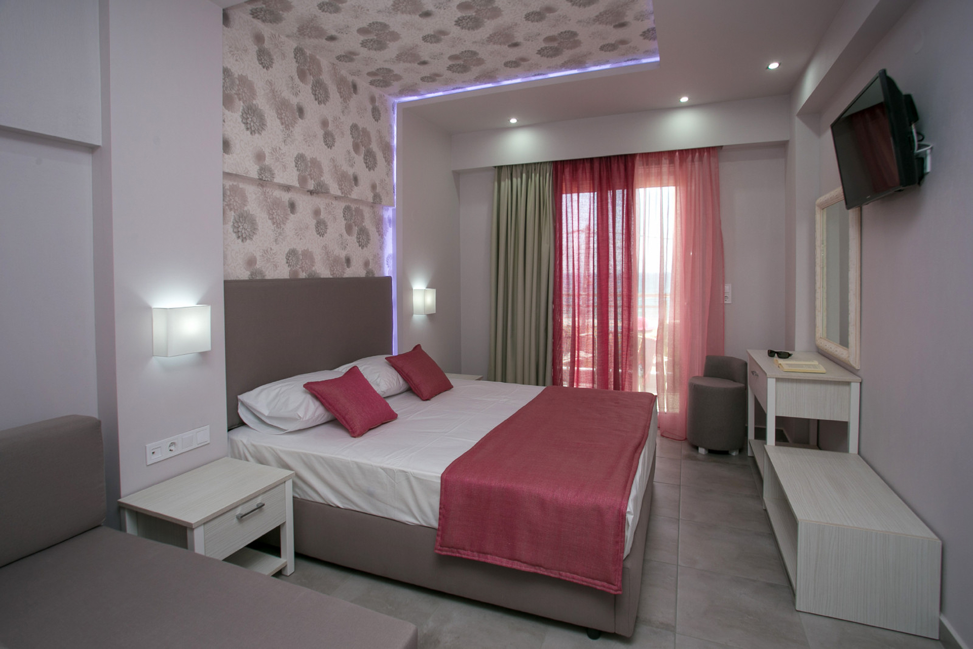 la feyra luxury rooms limenaria thassos ruby room 1