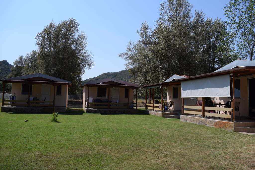 linaraki camping bungalows and apartments sykia sithonia bungalow 1