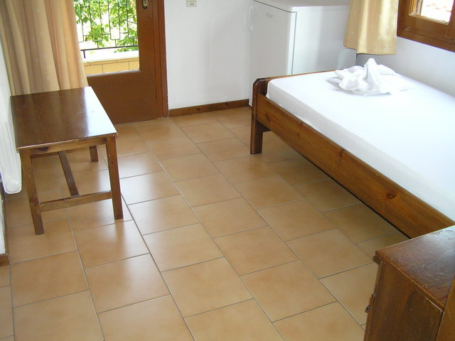 vicky hotel limenas thassos 3 bed room 5