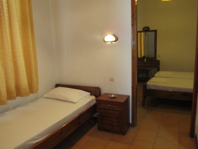 vicky hotel limenas thassos 3 bed room second floor 2