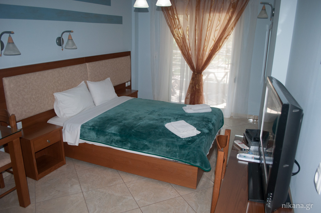 balkan house potos thassos 2+1 std ground floor room #2 (2)
