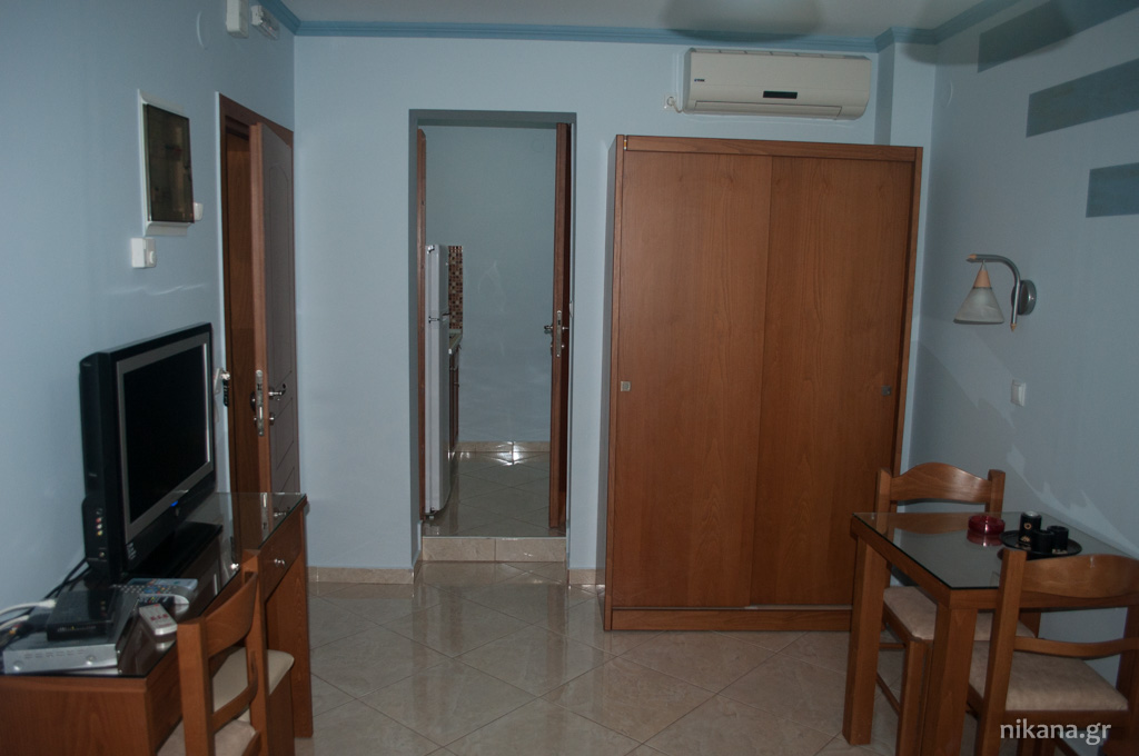 balkan house potos thassos 2+1 std ground floor room #2 (3)