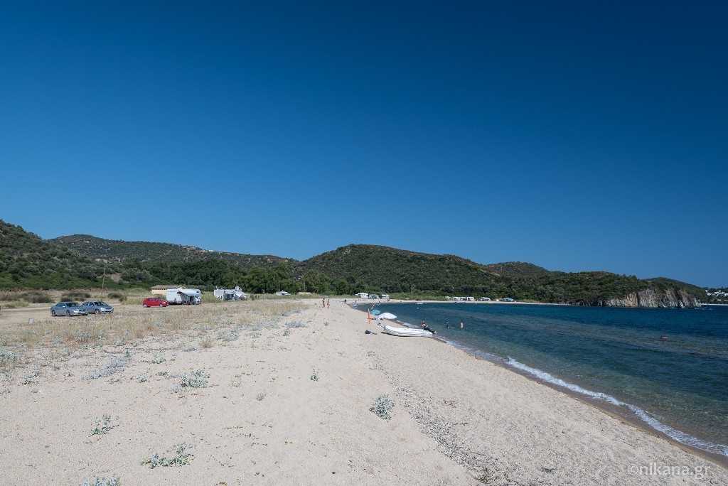 azapiko beach sithonia