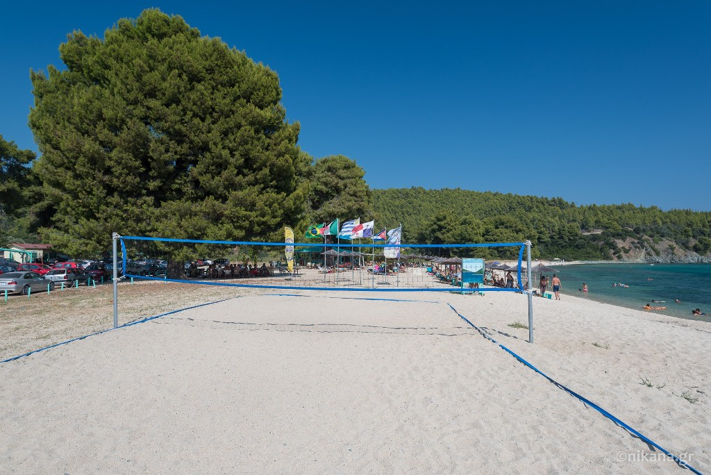 stiladario beach las bandidas bar sithonia