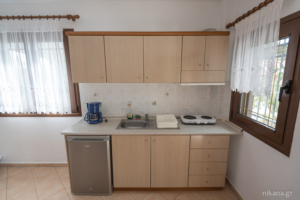 porto almira apartments nikiti sithonia 4 Bed apartment ground floor 14