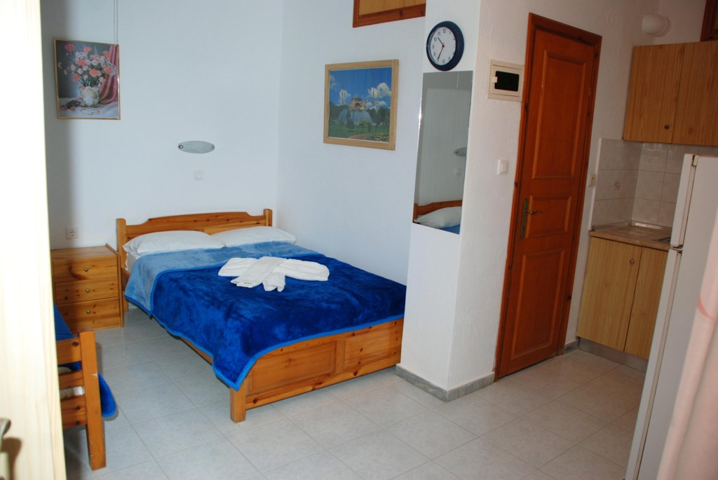 mantzanas apartments akti salonikiou sithonia 4 bed studio 2