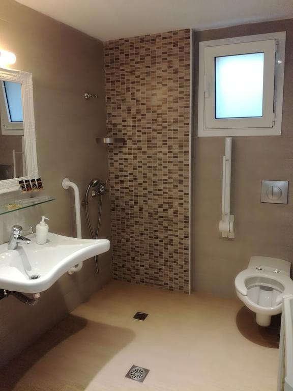 vanessas rooms and apartments kanali epirus 4 bed studio A1  (3)