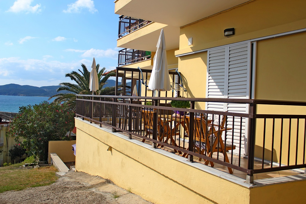 toulas studios sarti sithonia 5 bed apartment 1