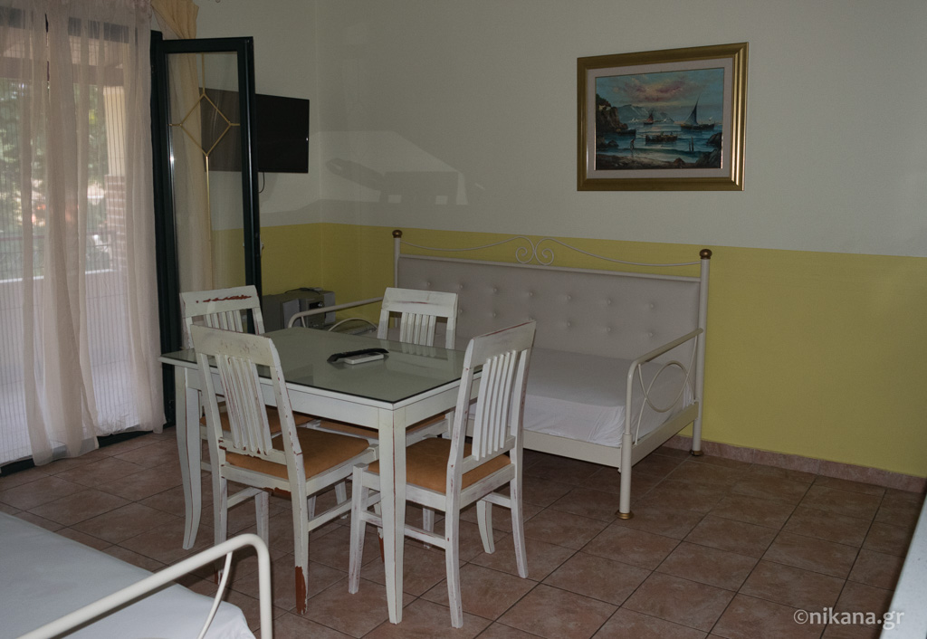 villagio maistro apartments agios ioannis lefkada 4 bed apt 1st floor  (1)