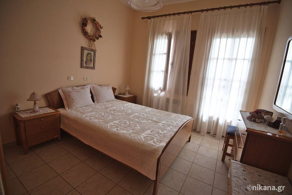 foulas house owner apartment nikiti 0008