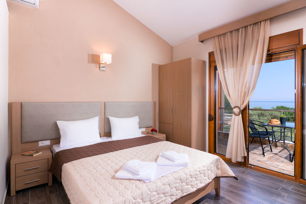 kapsogeorgis rooms kinira thassos 4 bed studio sea view  (2)