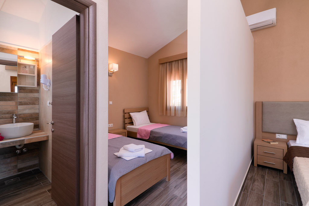 kapsogeorgis rooms kinira thassos 4 bed studio sea view  (4)