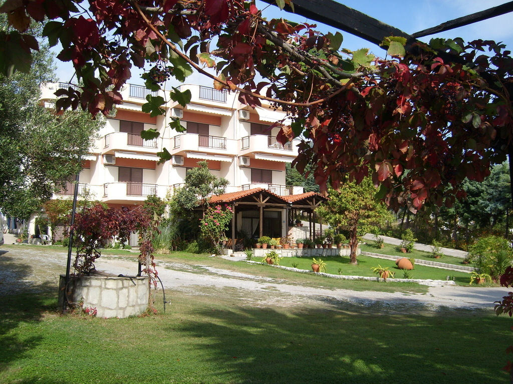 karvounoskala pension stratoni athos 1