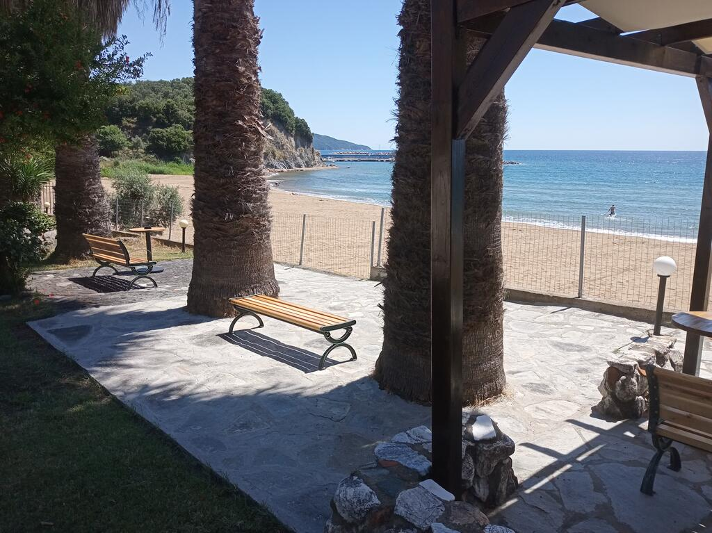 karvounoskala pension stratoni athos 11