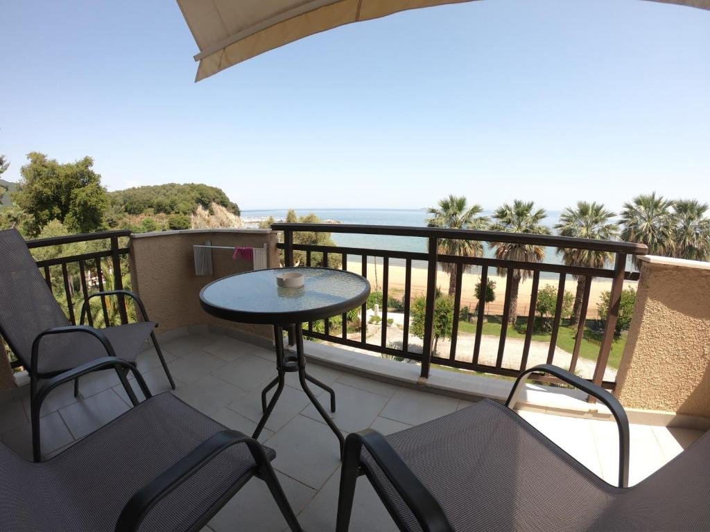 karvounoskala pension stratoni athos 3 bed studio sea view 2