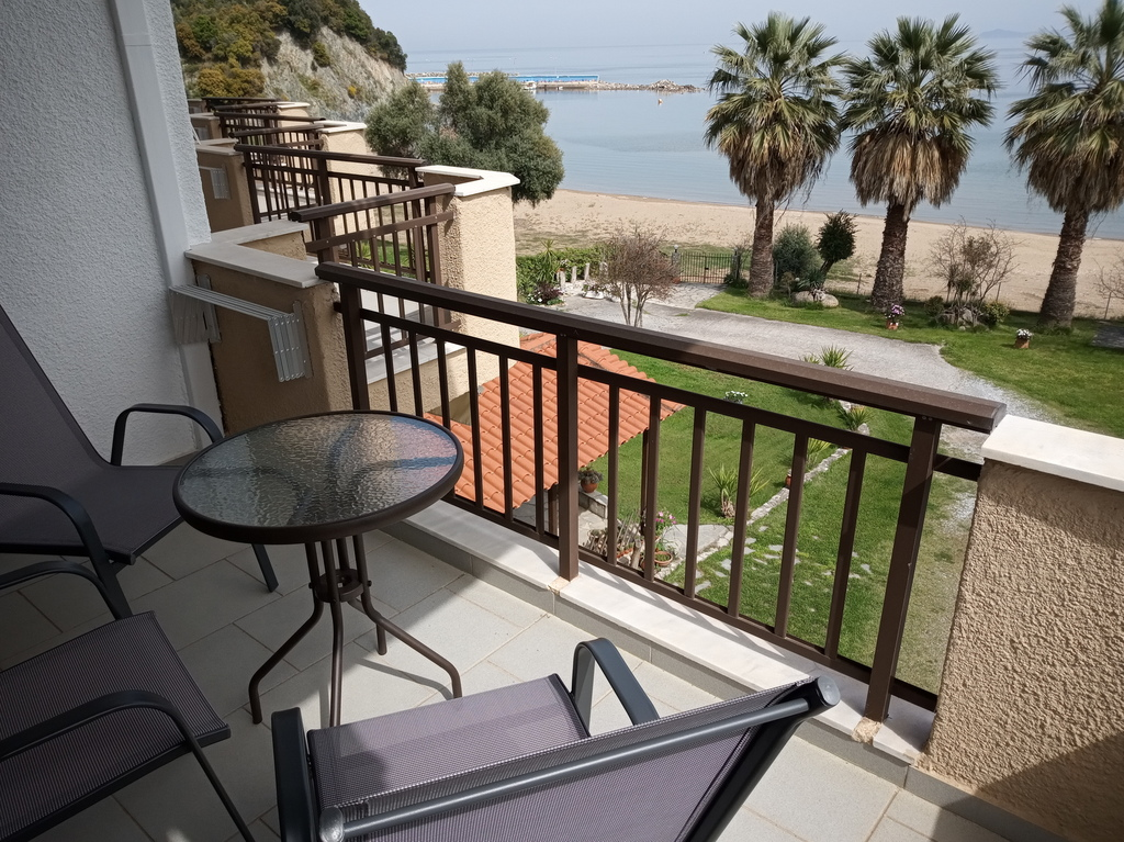 karvounoskala pension stratoni athos 3 bed studio sea view 4