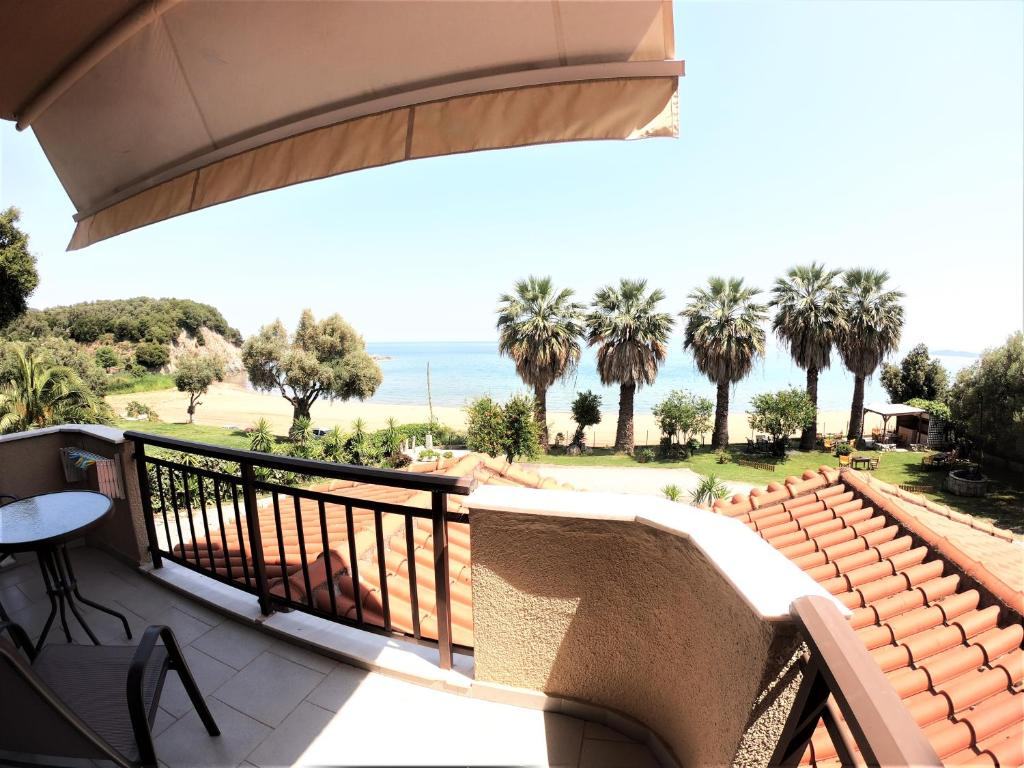karvounoskala pension stratoni athos 4 bed studio no. 21 (1)
