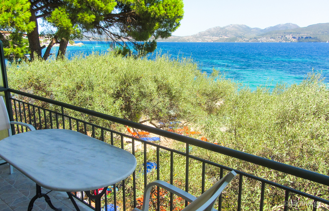daniel beach studios 3 bed studio first floor nikiana lefkada 2