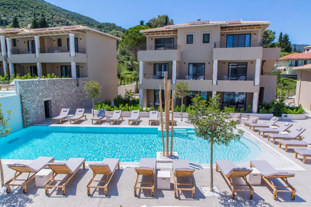 crystal waters suites nikiana lefkada 3 bed executive suite pool view 1