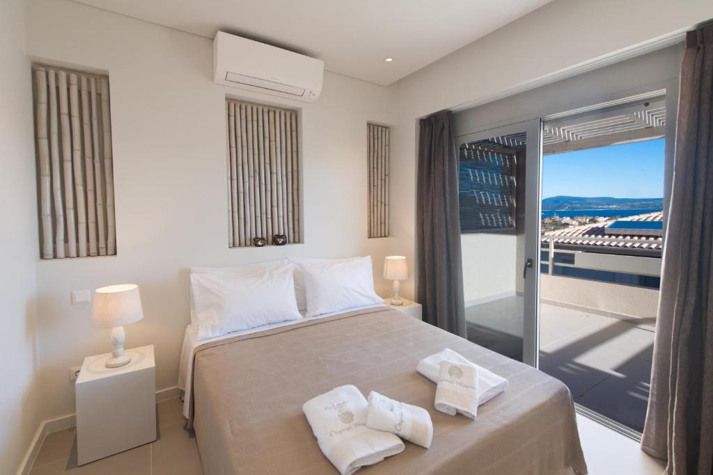 crystal waters suites nikiana lefkada 5 bed suite garden view 1