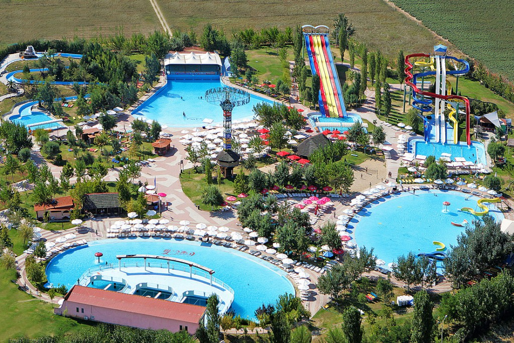 Waterland water park in Thessaloniki - Thessaloniki tourist guide ...