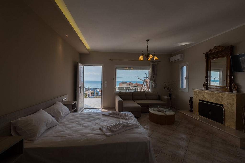 antonis rooms limenaria thassos 4 bed std front  (4)