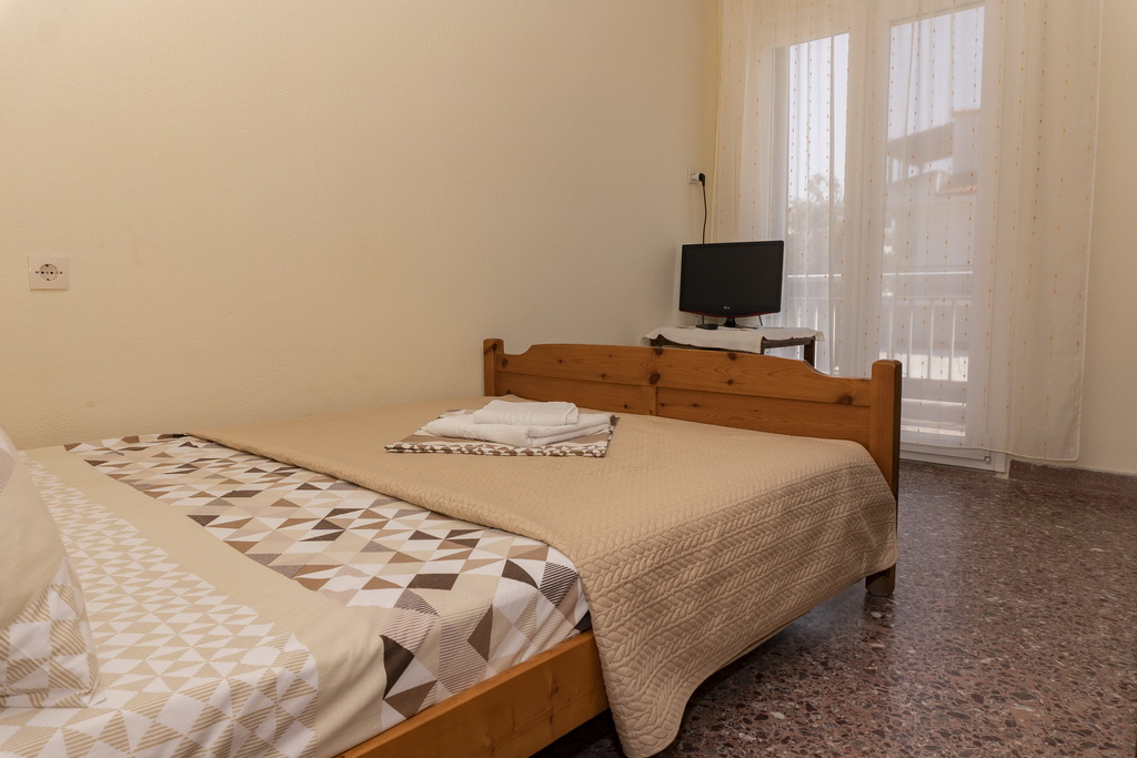 vicky guest house stavros thessaloniki duplex apartment no. 2 second floor (4)