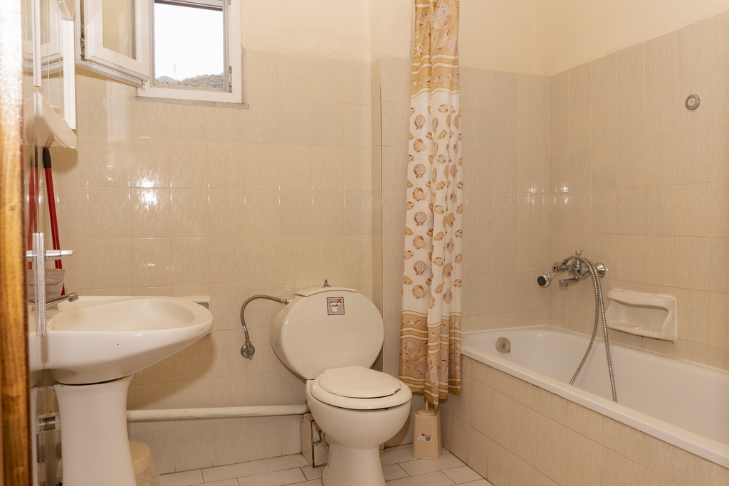 vicky guest house stavros thessaloniki duplex apartment no. 2 second floor (8)