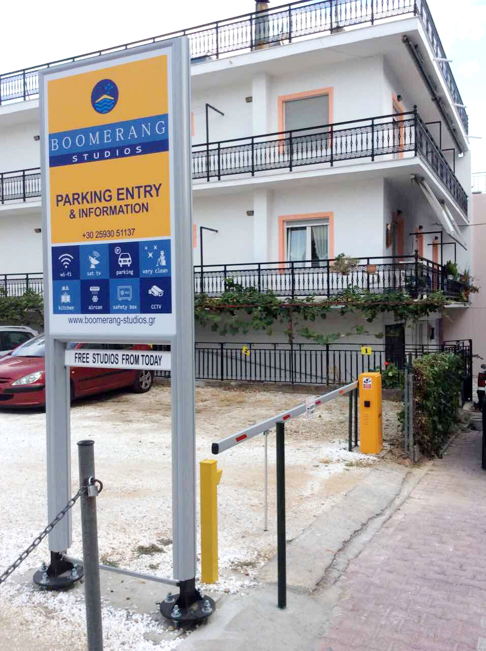 boomerang studios potos thassos parking 2