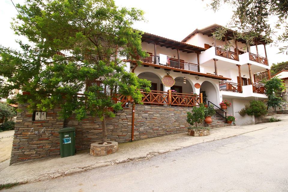 zefyros pension ammouliani athos 2