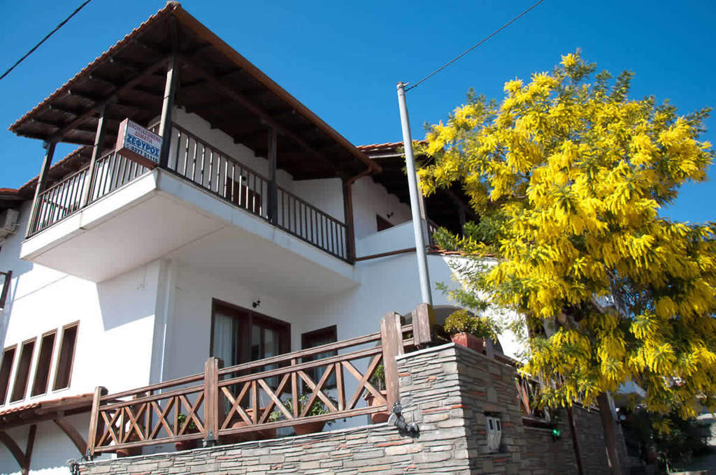 zefyros pension ammouliani athos 4