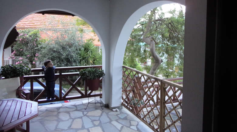 zefyros pension ammouliani athos 6