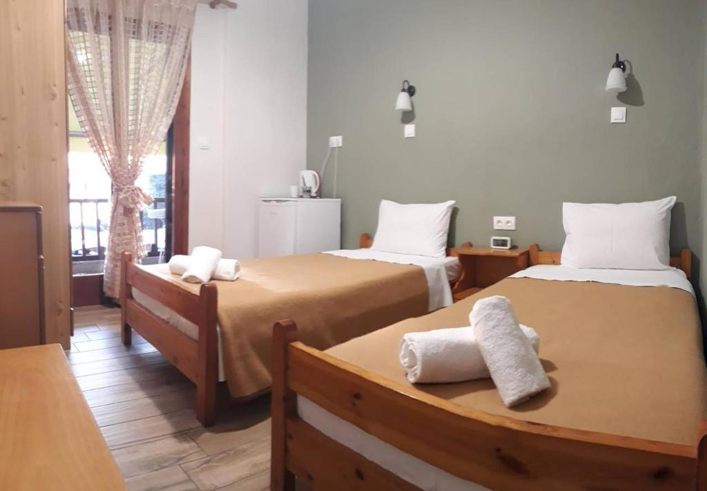 prosforio rooms ouranopolis athos twin room with balcony 5