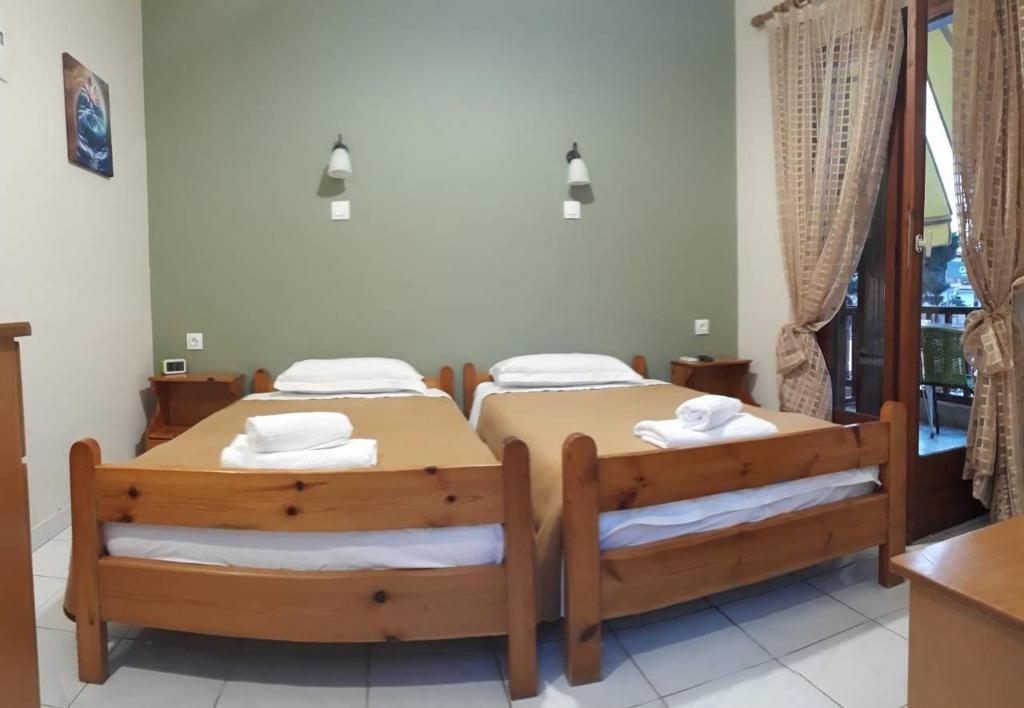 prosforio rooms ouranopolis athos twin room with balcony 6