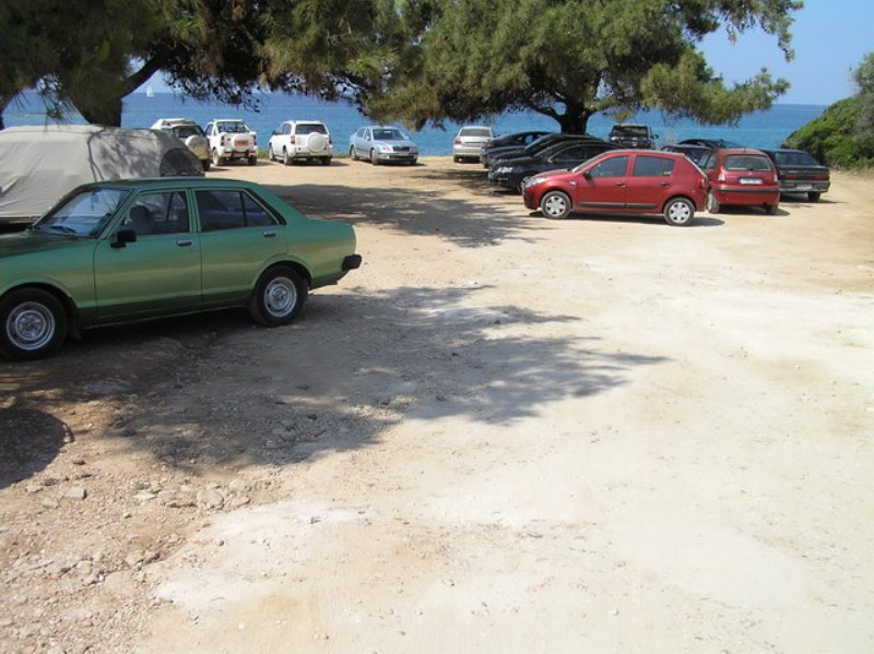 pefkari beach studios albatros thassos parking