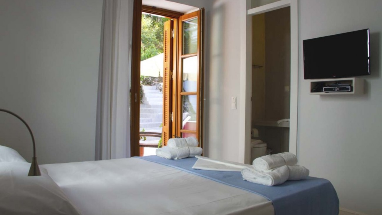 rossa villa boutique beach resort parga epirus deluxe double mountain view 4