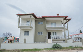 eleni apartments nikiti sithonia 1
