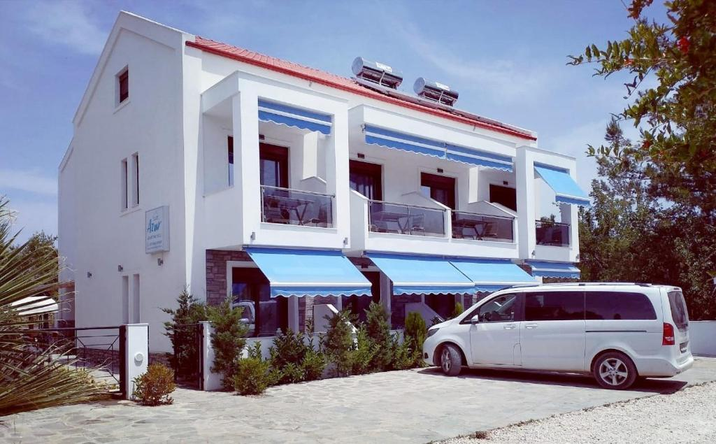 azur apartments nikiti sithonia 2