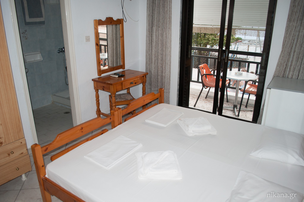 karipidis pension potos thassos 2 bed room 1