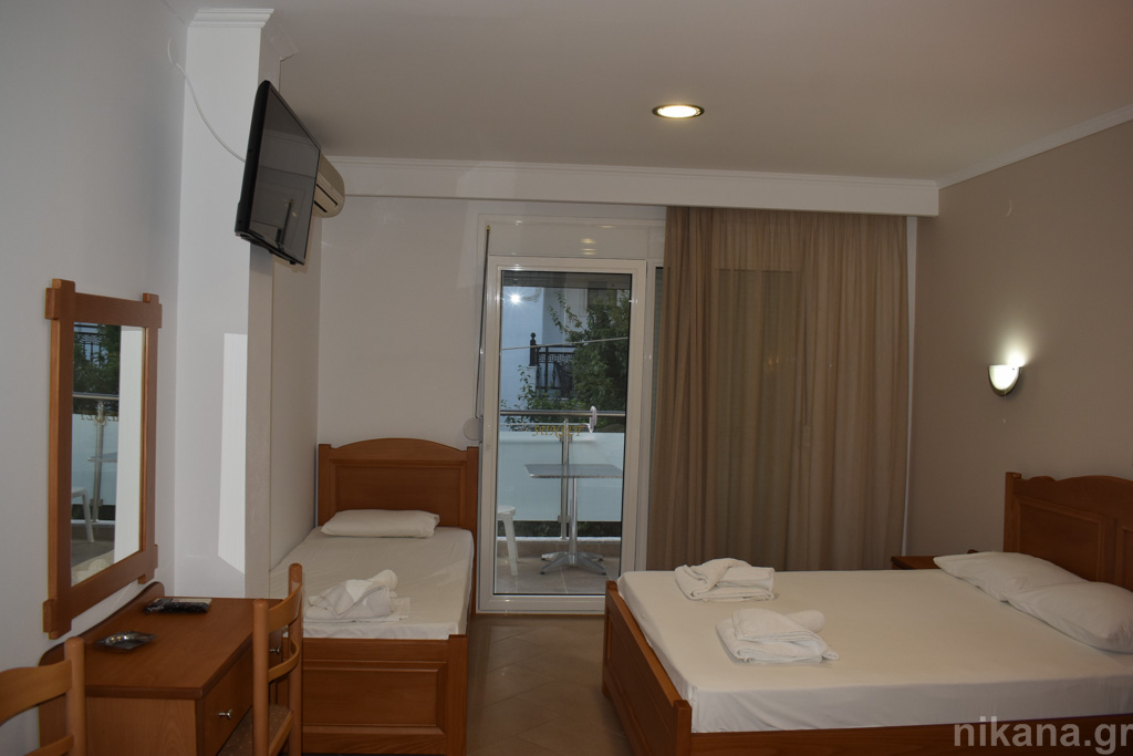 sunset studios potos thassos 3 bed studio #3  (2)