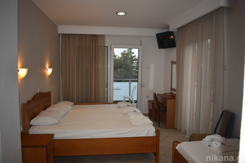 sunset studios potos thassos 4 bed studio #6  (2)