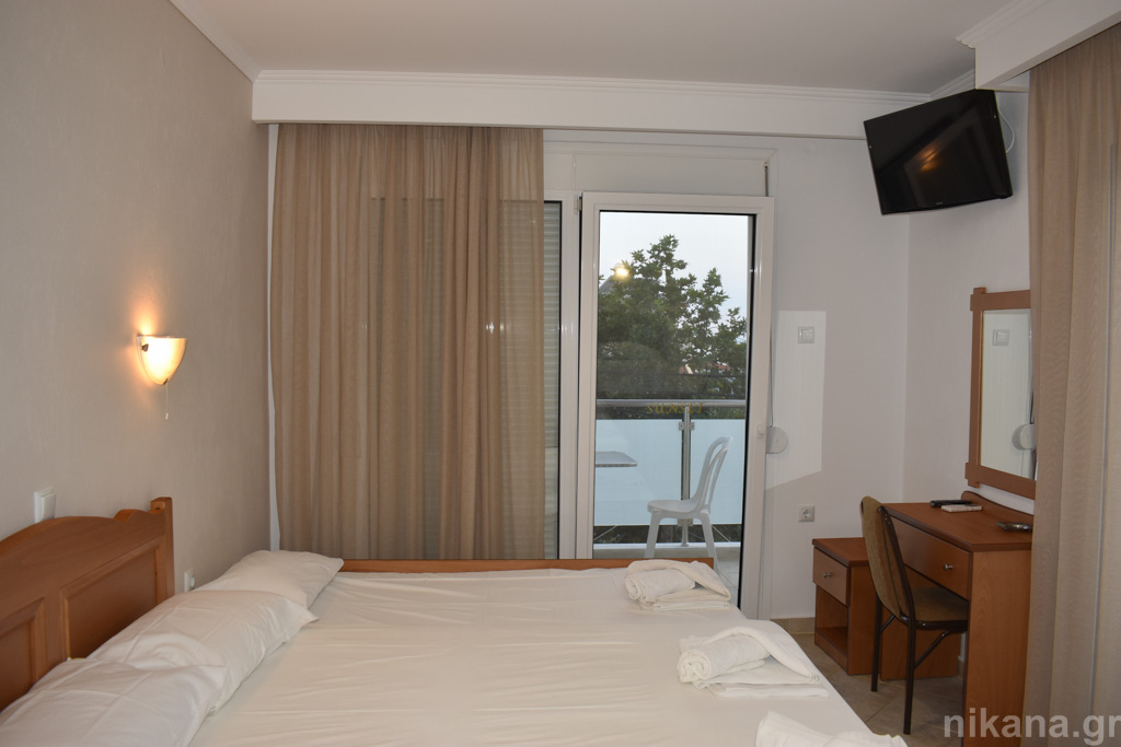 sunset studios potos thassos 4 bed studio #6  (4)