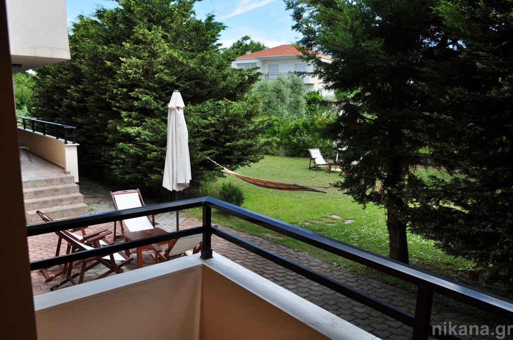 dolphins apartments and rooms limenas 3 bed room #104 high ground floor  (11)