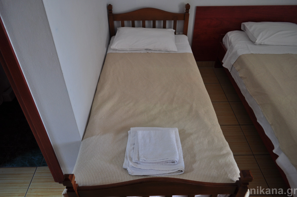 dolphins apartments and rooms limenas 3 bed room #104 high ground floor  (5)