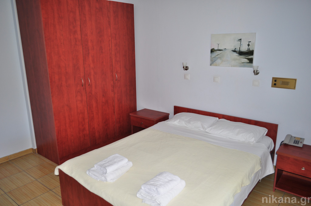 dolphins apartments and rooms limenas 4 bed apartment #208 first floor  (10)