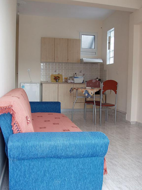 dimosthenis_small_apartment_nea_peramos_kavala_greece_4