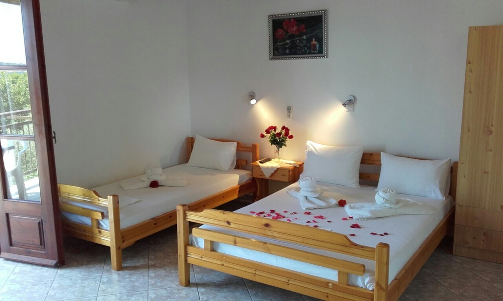 yanna pension kinira thassos 3 bed room 2