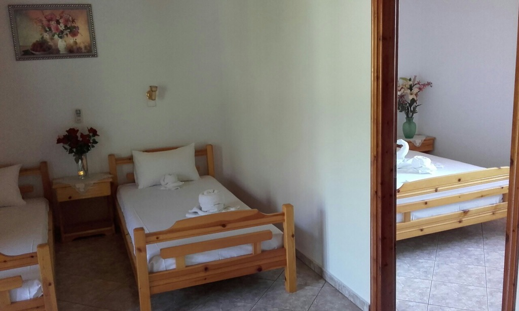 yanna pension kinira thassos 4 bed apartment 10