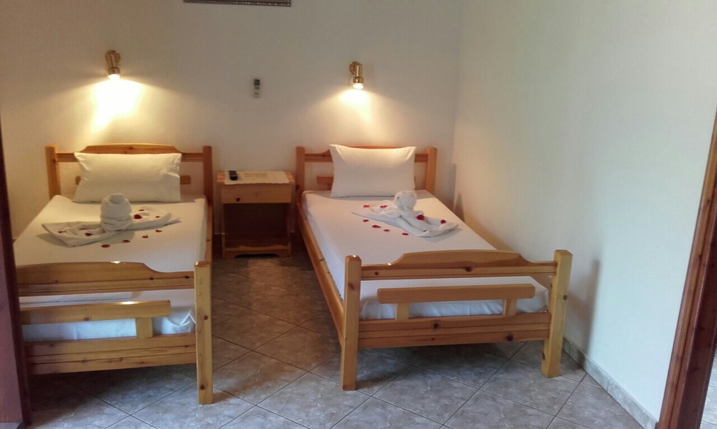 yanna pension kinira thassos 4 bed apartment 4